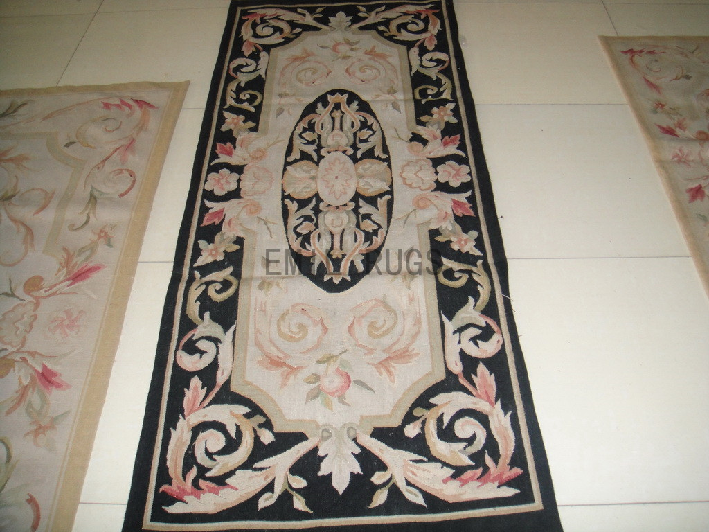 hand woven 2.5' X 4.6' Ivory Field Black Border flat weave aubusson carpets