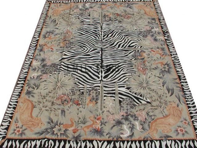 flat weave aubusson carpet 6' X 9' Gray Field Black Border 100% New Zealand wool hand woven