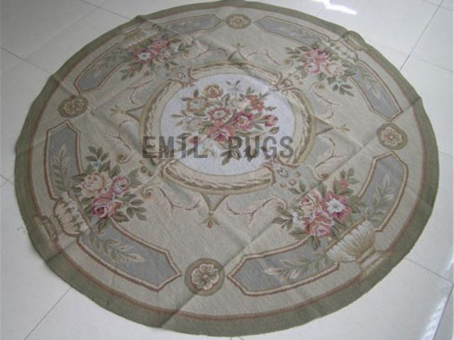 needlepoint rug Round 4.5' X 4.5' Ivory Field Green Border authentic
