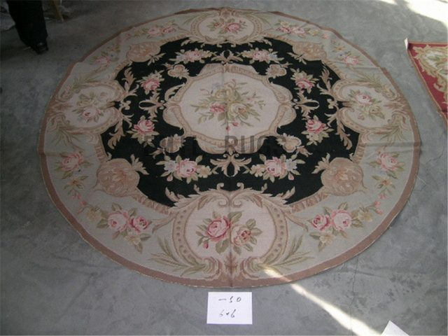 needlepoint rug Round 6' X 6' Ivory Field Green Border hand stitched